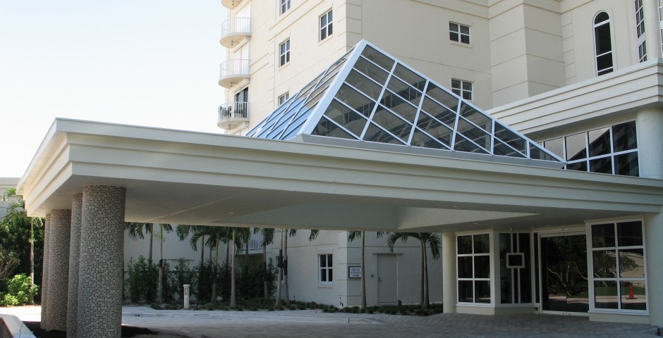 Contessa Entry Porte Cochere